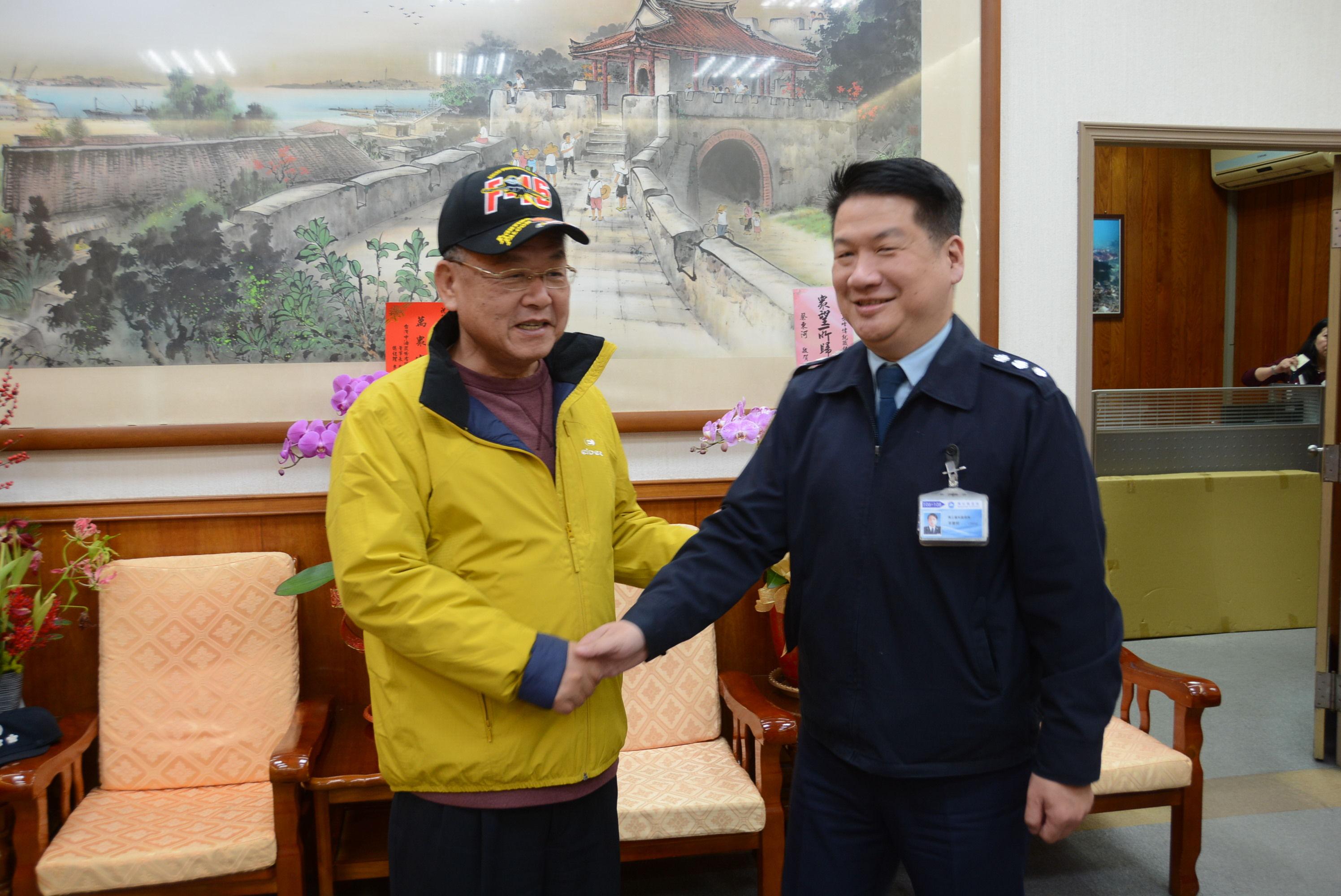 馬基隊長李慶熙拜會縣長賴峰偉