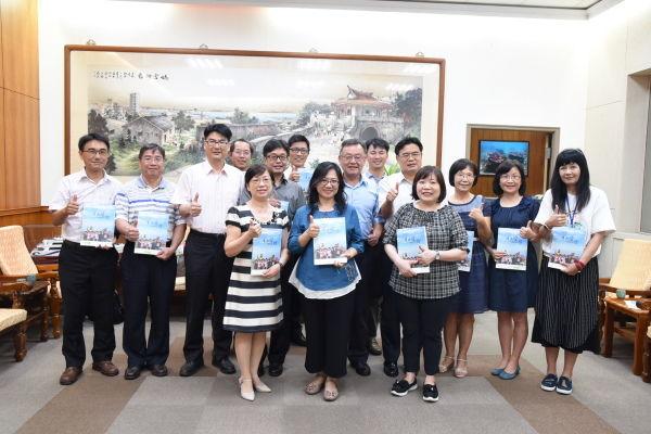 澎科大與菲律賓州立大學合作,在澎8所小學進行海洋教育雙語教學實習