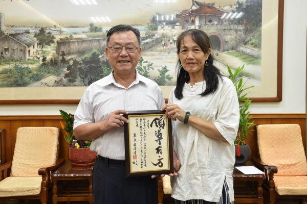 賴縣長表揚小赤社區發展協會