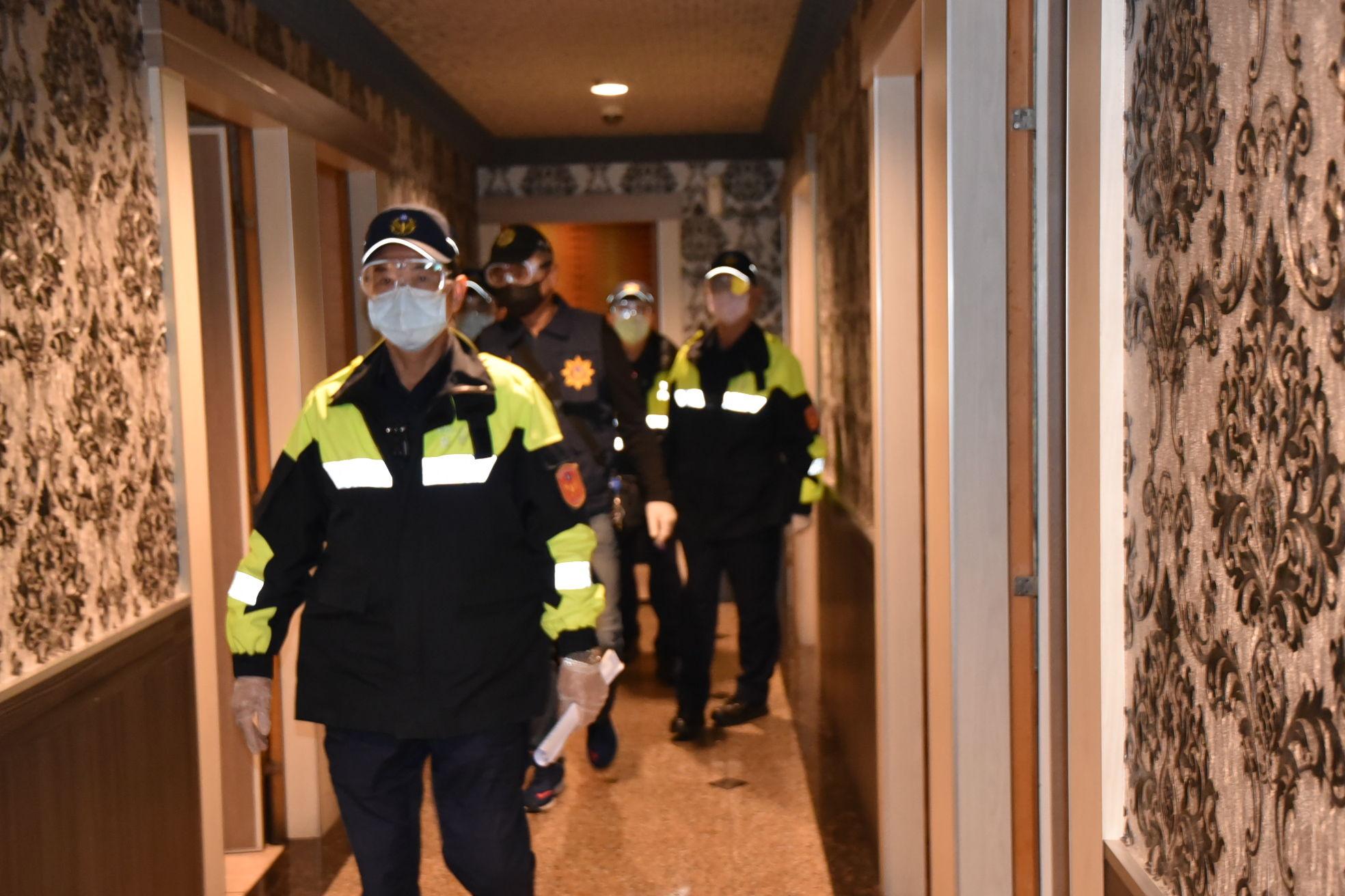 警察加強稽查八大行業防疫