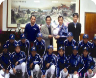 Magistrate praised and encouraged the junior baseball team of Jiangmei Elementary School